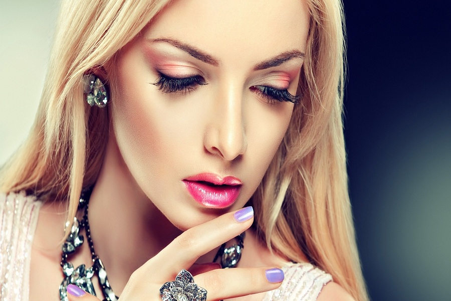 Top Makeup Secrets to Look Fabulous