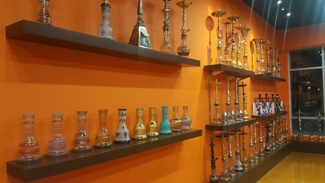 Things to Consider When Opting for an Online Retailer for Buying Hookah